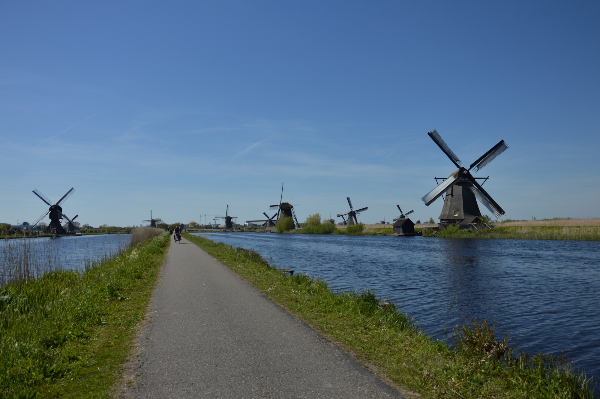 Moulins de Kinderdijk: les cheveux dans le vent