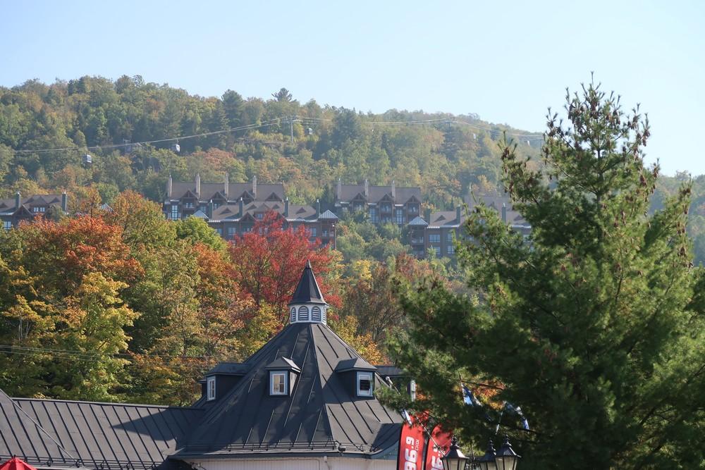 village mont tremblant station ski